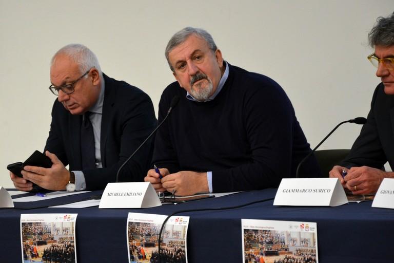 Michele Emiliano all'incontro sulla Rete Oncologica Pugliese