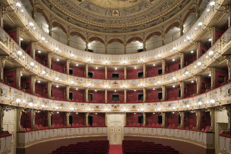 Teatro Curci, Barletta