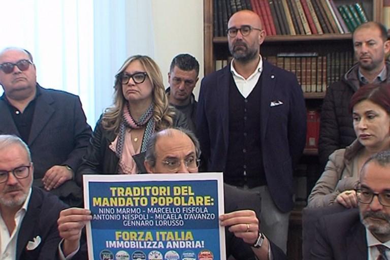 Conferenza stampa Giorgino: Ecco chi sono i traditori