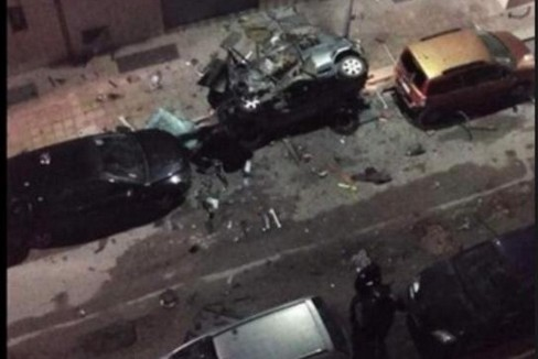 Bomba auto carabiniere