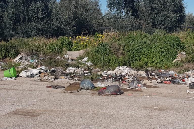 sporcizia, via vecchia Barletta