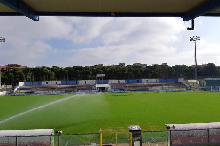 Il nuovo manto erboso dello stadio