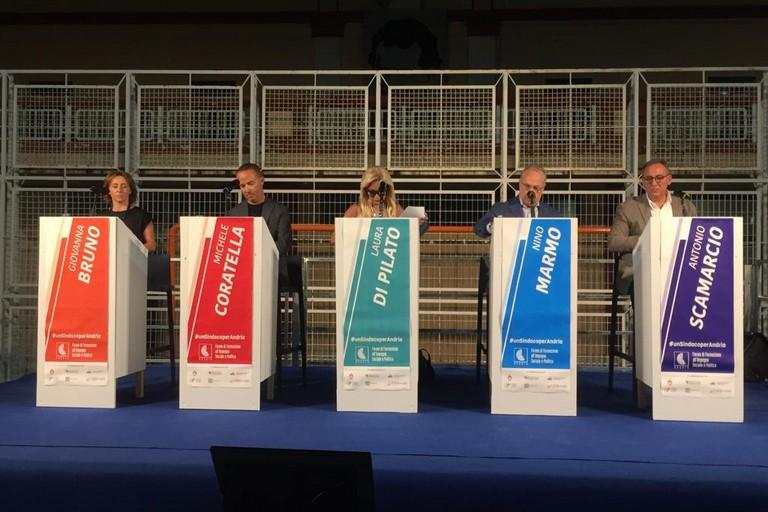 Dibattito all'americana per i cinque candidati sindaco di Andria. <span>Foto Antonio D'Oria</span>