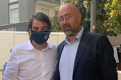 Riccardo Frisardi con il candidato presidente Raffaele Fitto