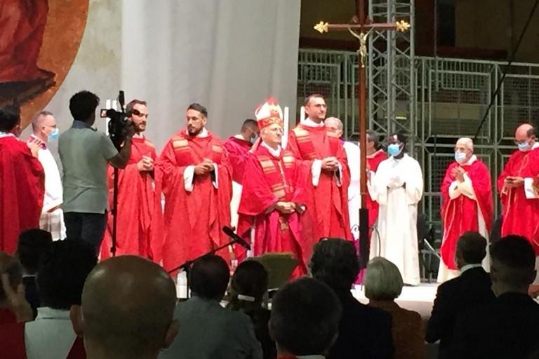Tre nuovi sacerdoti per la diocesi di Andria: don Alessandro, don Domenico e don Michele. <span>Foto Antonio D'Oria</span>