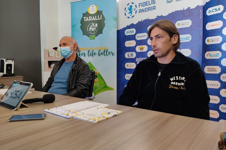 Il tecnico Luigi Panarelli con il presidente Aldo Roselli. <span>Foto Antonio D'Oria</span>